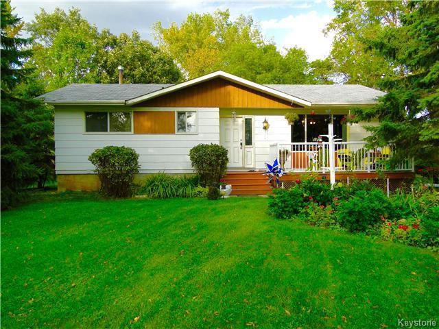 Main Photo: 921 HODDINOTT Road in ESTPAUL: Birdshill Area Residential for sale (North East Winnipeg)  : MLS®# 1525366
