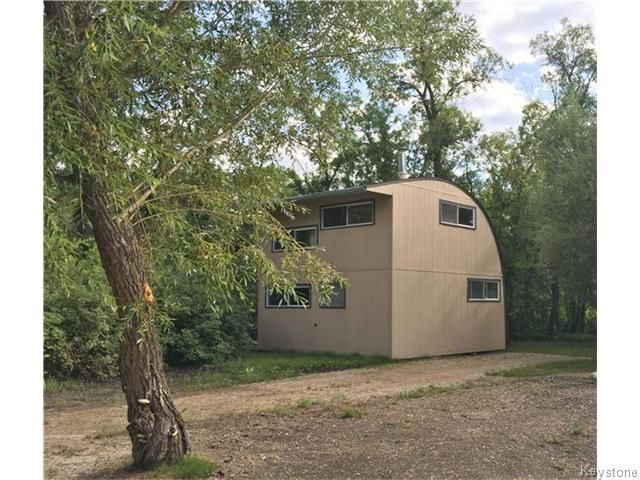 Main Photo: 129 Campbell Avenue West in Ochre River: Dauphin Beach Residential for sale (R30 - Dauphin and Area)  : MLS®# 1622119