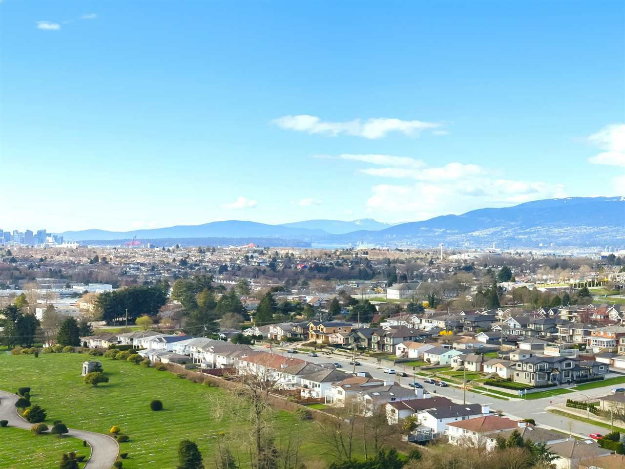 "Main Photo: PH 2301 4425 HALIFAX Street in Burnaby: Brentwood Park Condo for sale in ""POLARIS"" (Burnaby North)  : MLS®# R2153389"