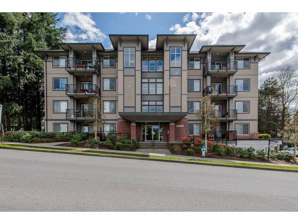 "Main Photo: 204 33898 PINE Street in Abbotsford: Central Abbotsford Condo for sale in ""Gallantree"" : MLS®# R2169618"