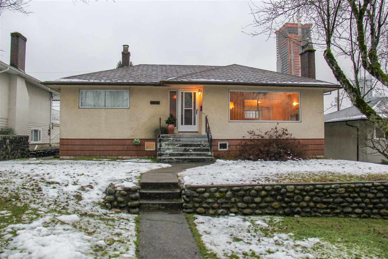 """Main Photo: 4578 MIDLAWN Drive in Burnaby: Brentwood Park House for sale in """"BRENTWOOD PARK"""" (Burnaby North)  : MLS®# R2229477"""