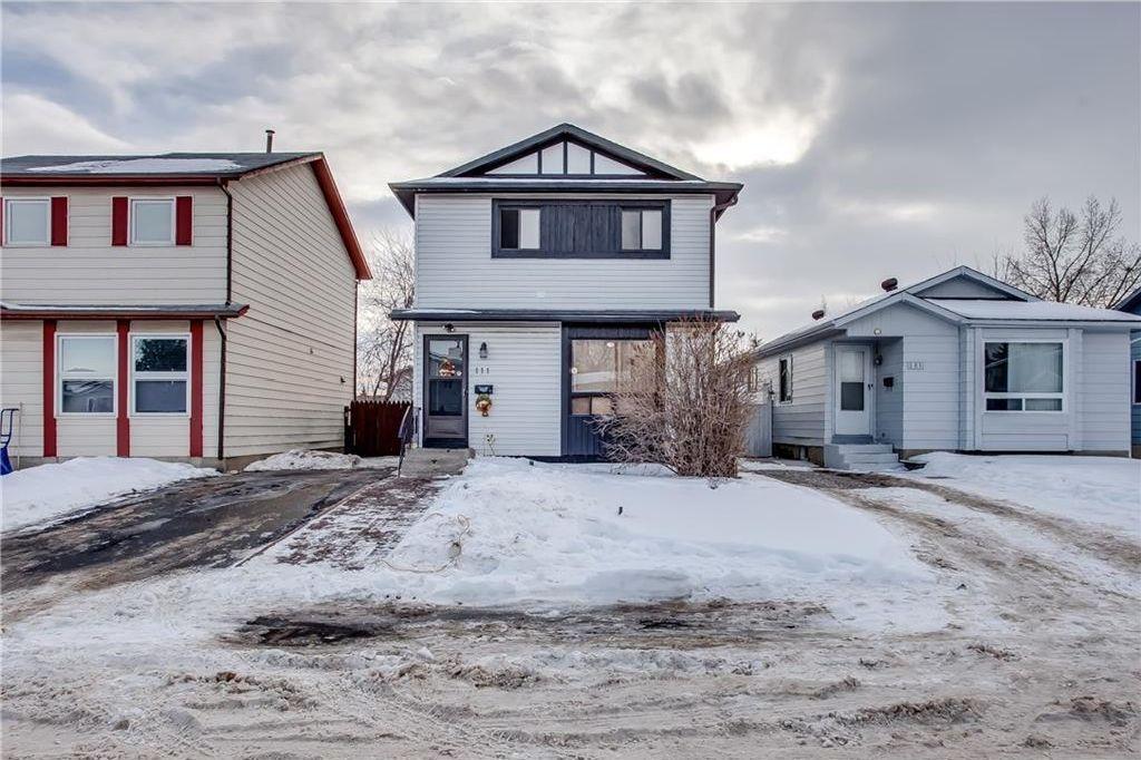 Main Photo: 111 ERIN RIDGE Road SE in Calgary: Erin Woods House for sale : MLS®# C4162823