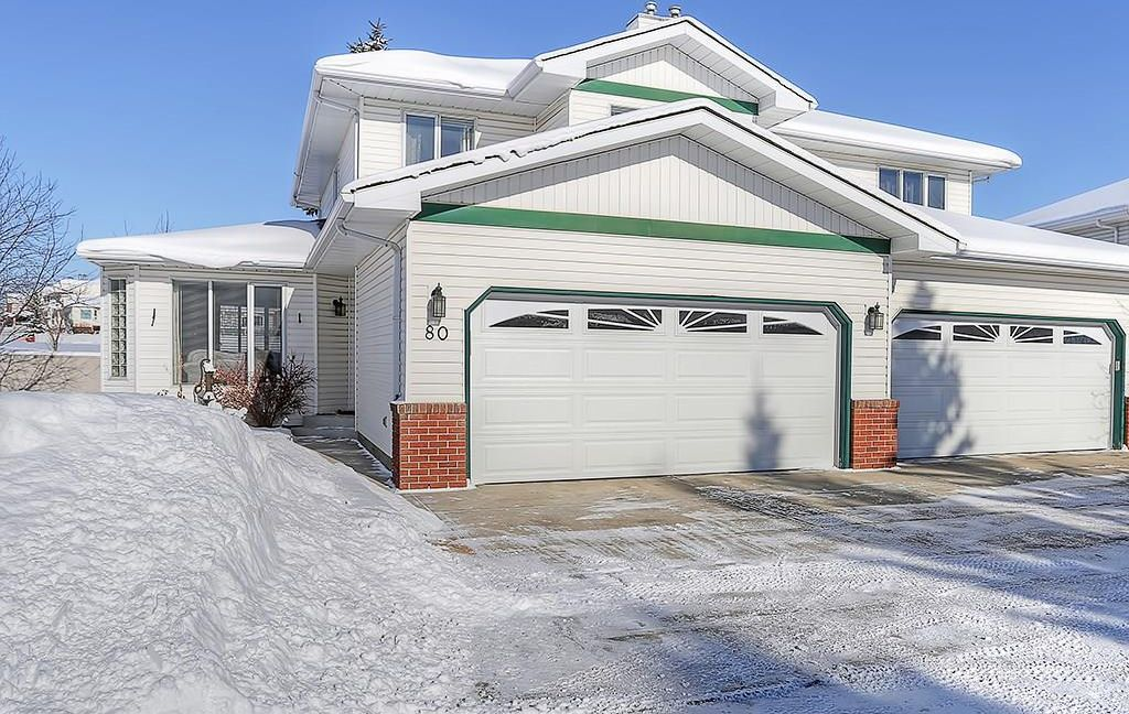 Main Photo: 80 SCENIC Gardens NW in Calgary: Scenic Acres House for sale : MLS®# C4165304