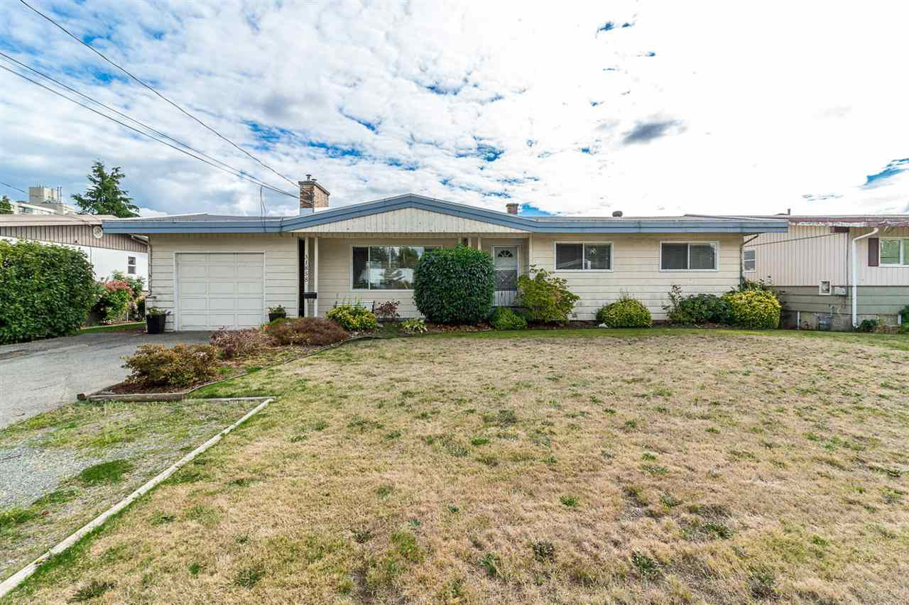 Main Photo: 31858 HOPEDALE Avenue in Abbotsford: Abbotsford West House for sale : MLS®# R2306034