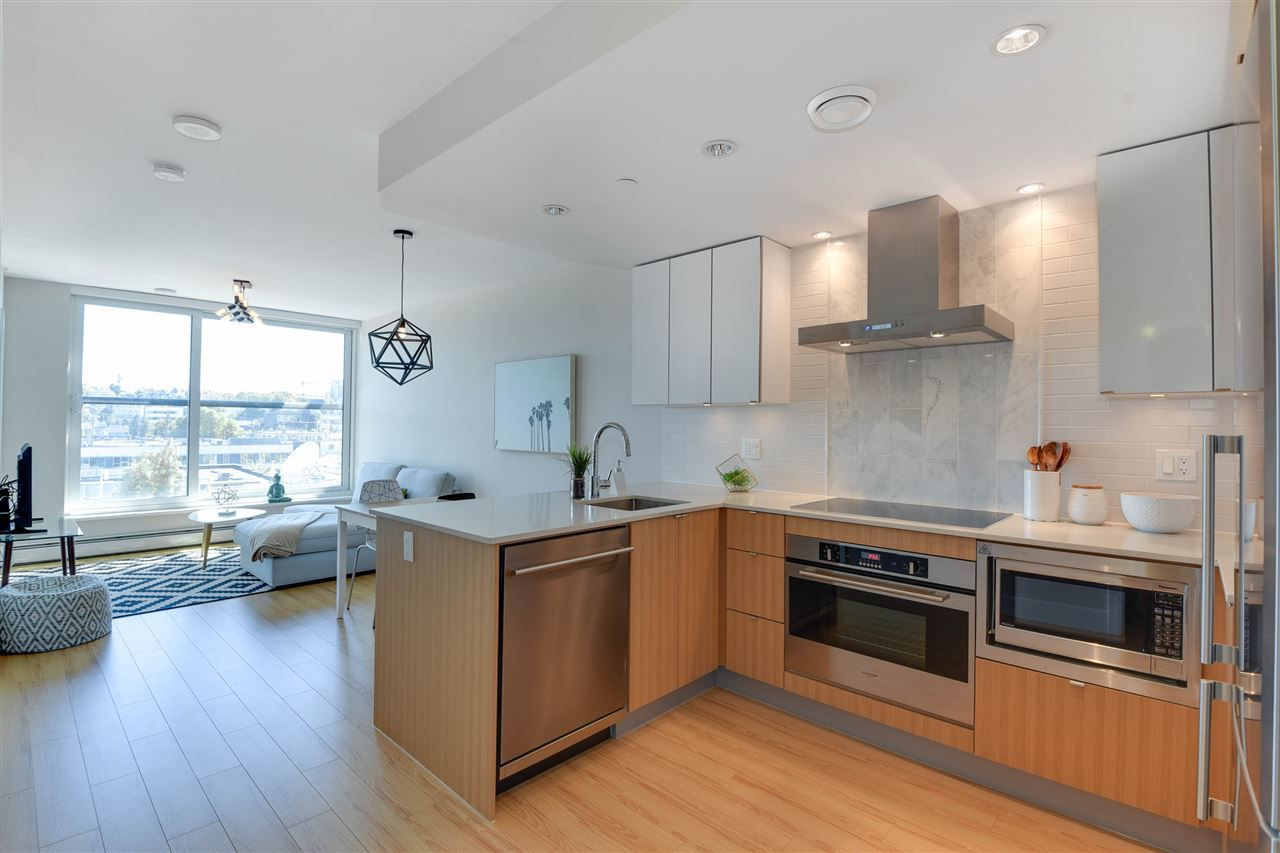 "Main Photo: 615 159 W 2ND Avenue in Vancouver: False Creek Condo for sale in ""TOWER GREEN"" (Vancouver West)  : MLS®# R2320563"
