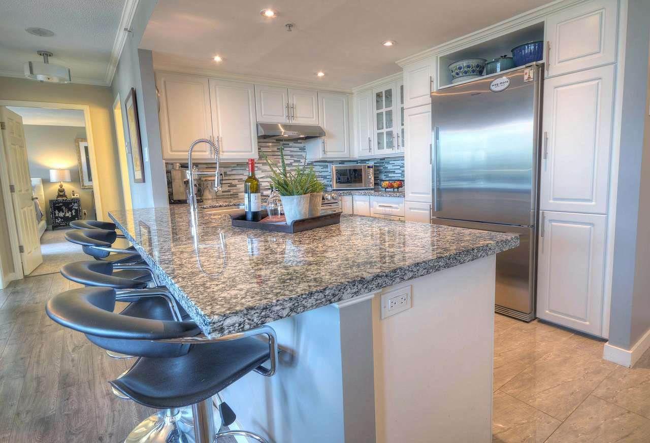 Main Photo: 906 200 NEWPORT Drive in Port Moody: North Shore Pt Moody Condo for sale : MLS®# R2325048