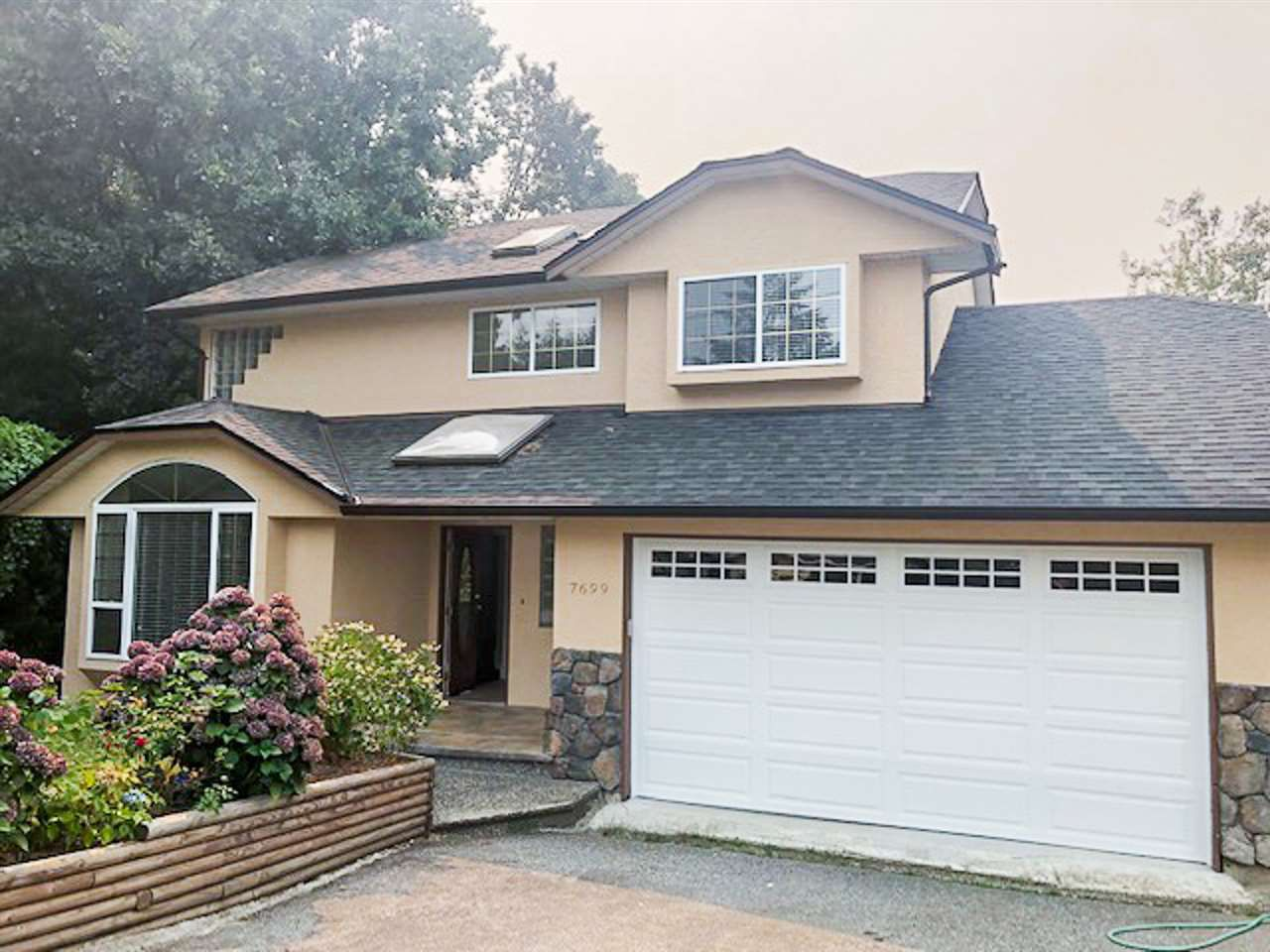 Main Photo: 7699 ROOK Crescent in Mission: Mission BC House for sale : MLS®# R2352929