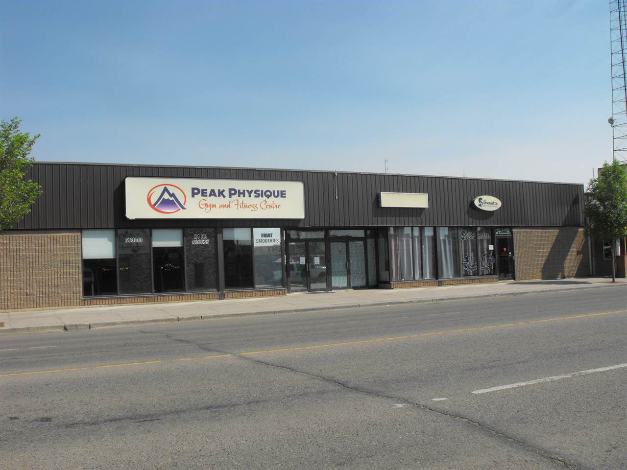 Main Photo: 5014-5022 50 Avenue: St. Paul Town Retail for sale : MLS®# E4160110