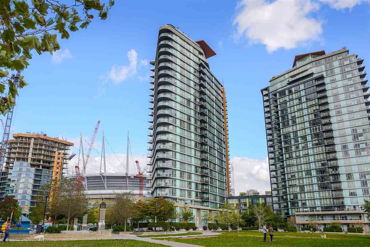 """Main Photo: 806 918 COOPERAGE Way in Vancouver: Yaletown Condo for sale in """"THE MARINER"""" (Vancouver West)  : MLS®# R2000227"""