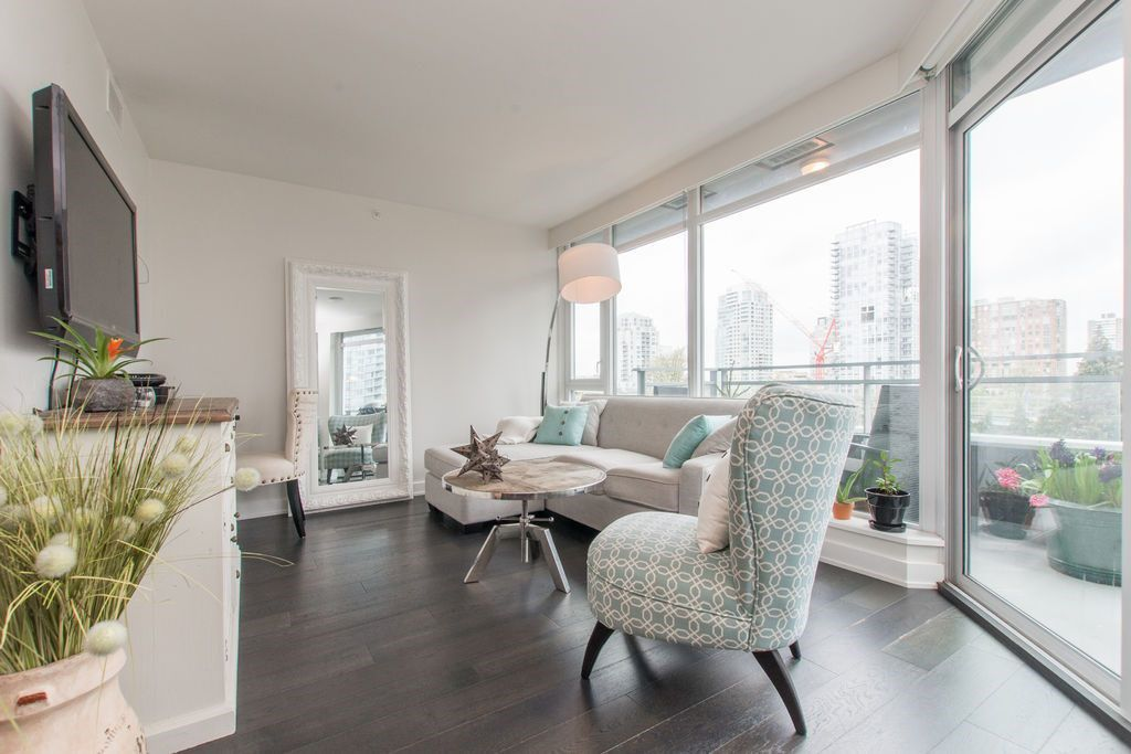 """Main Photo: 806 1372 SEYMOUR Street in Vancouver: Downtown VW Condo for sale in """"THE MARK"""" (Vancouver West)  : MLS®# R2053535"""