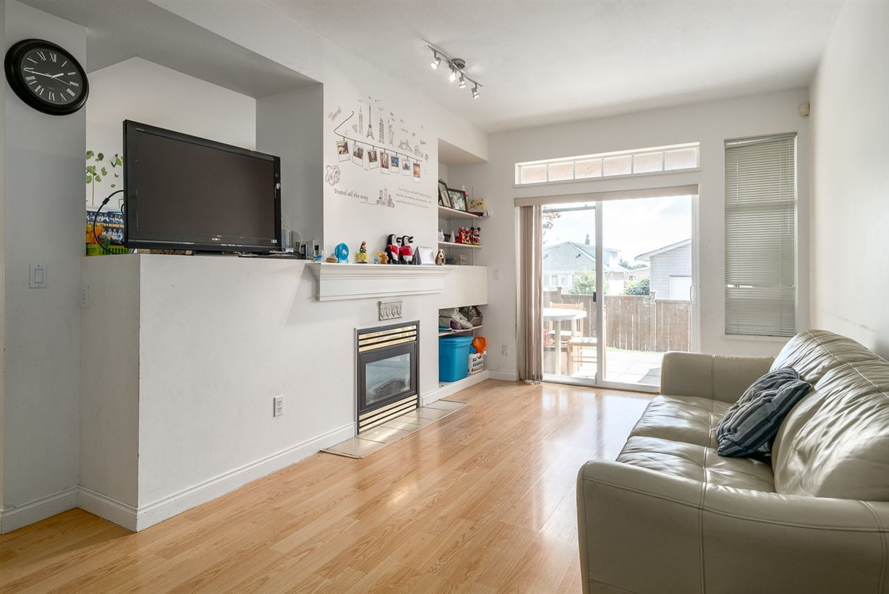 Main Photo: 25 7238 18TH Avenue in Burnaby: Edmonds BE Townhouse for sale (Burnaby East)  : MLS®# R2201412