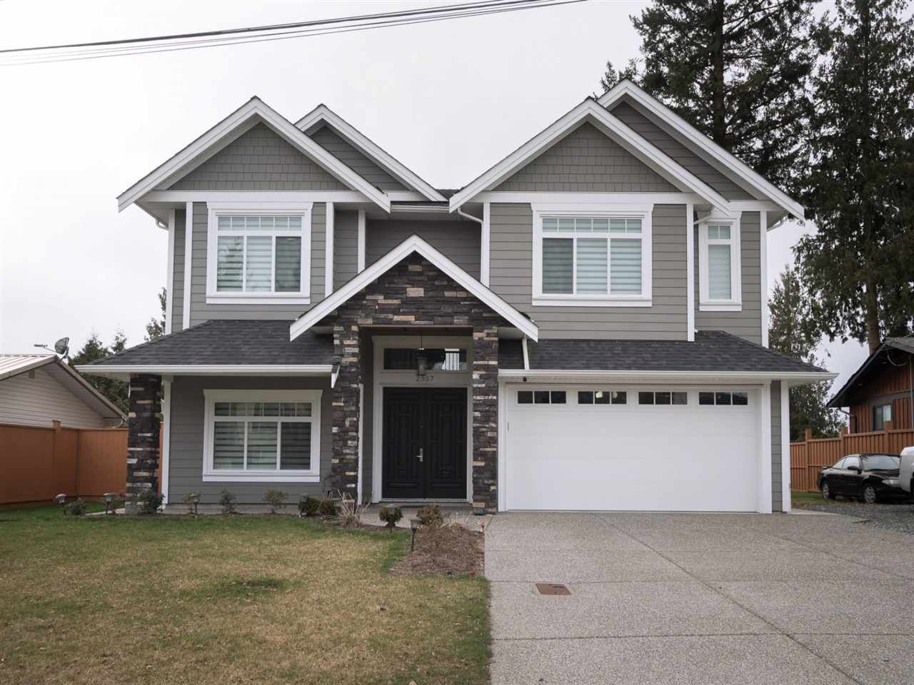 Main Photo: 2357 BEVAN Crescent in Abbotsford: Abbotsford West House for sale : MLS®# R2247485