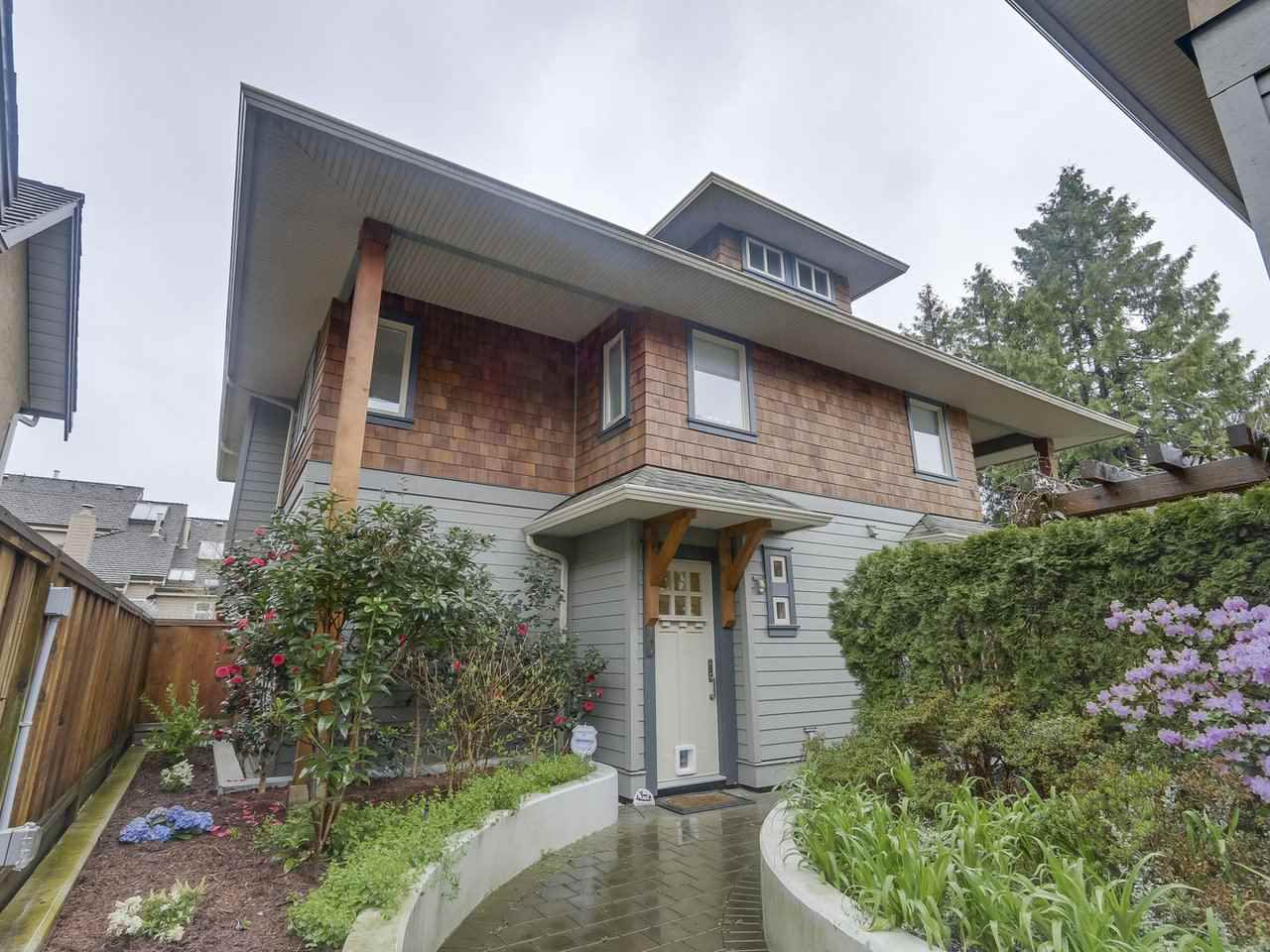 """Photo 1: Photos: 4 249 W 16TH Street in North Vancouver: Central Lonsdale House 1/2 Duplex for sale in """"THE WEST"""" : MLS®# R2262955"""