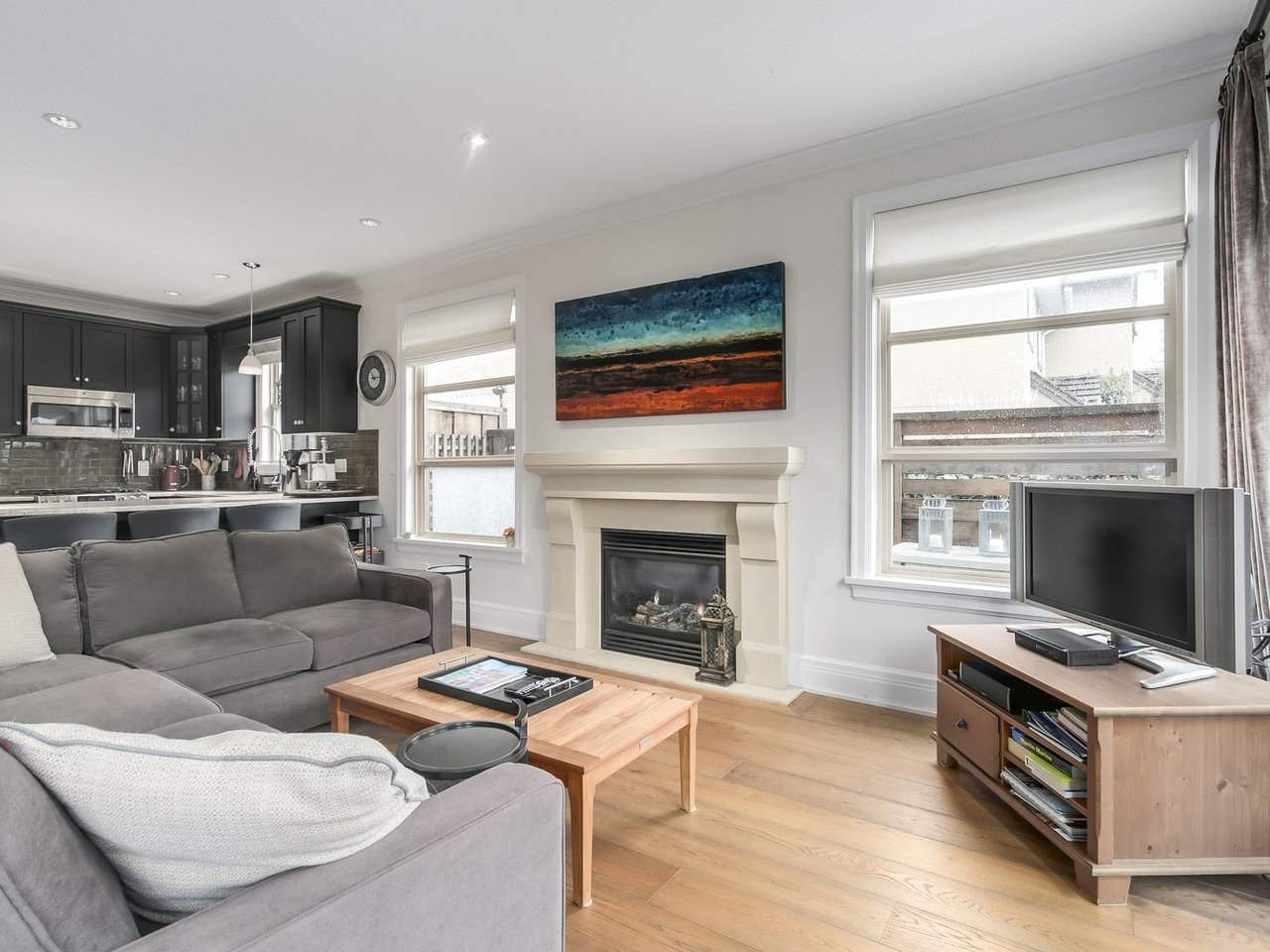 """Photo 3: Photos: 4 249 W 16TH Street in North Vancouver: Central Lonsdale House 1/2 Duplex for sale in """"THE WEST"""" : MLS®# R2262955"""
