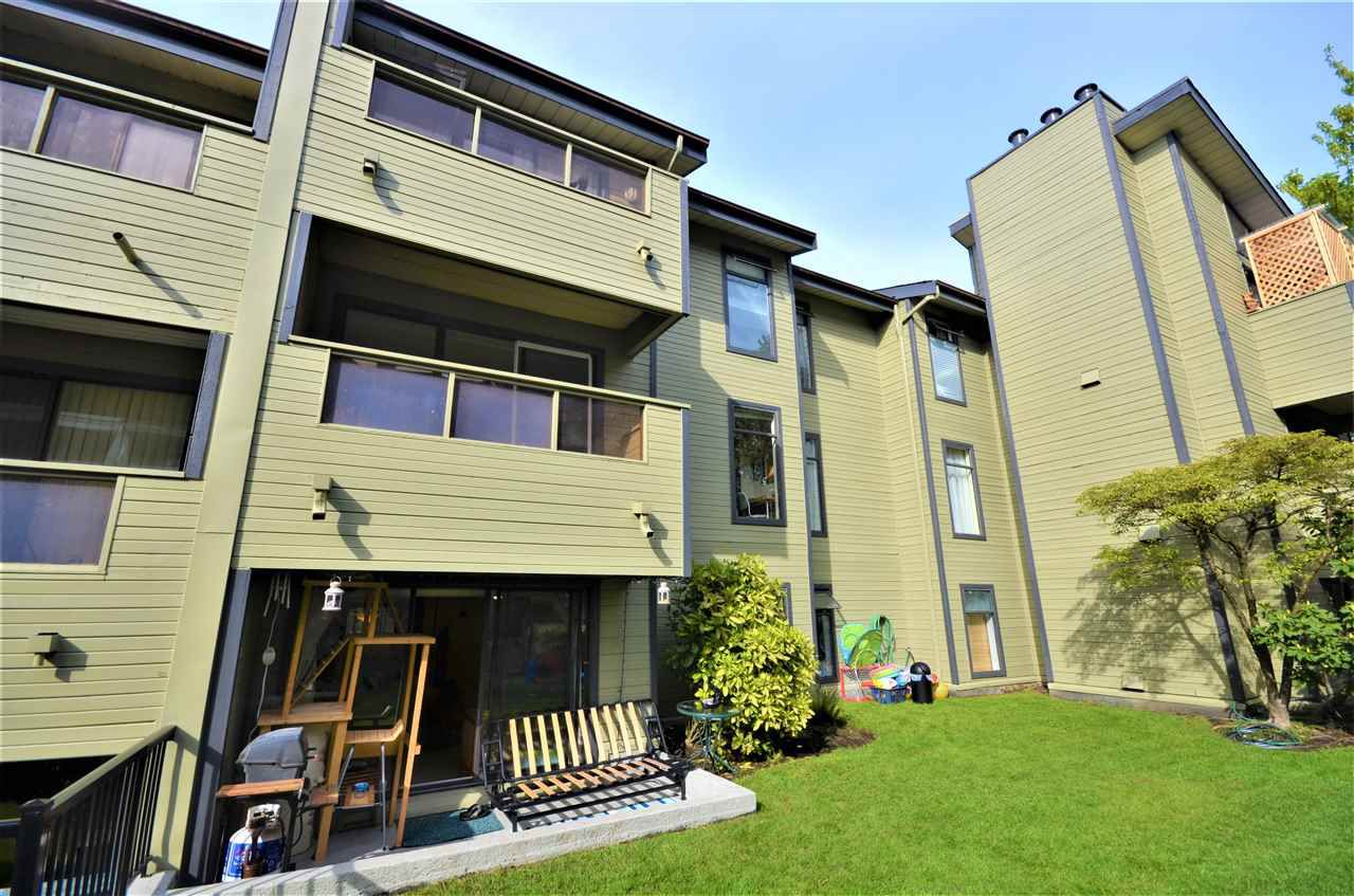 "Main Photo: 108 225 MOWAT Street in New Westminster: Uptown NW Condo for sale in ""THE WINDSOR"" : MLS®# R2264493"