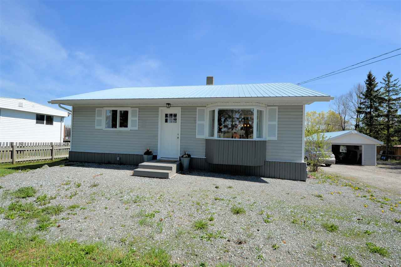 Main Photo: 1678 OLD CARIBOO Highway in Prince George: South Blackburn House for sale (PG City South East (Zone 75))  : MLS®# R2268169