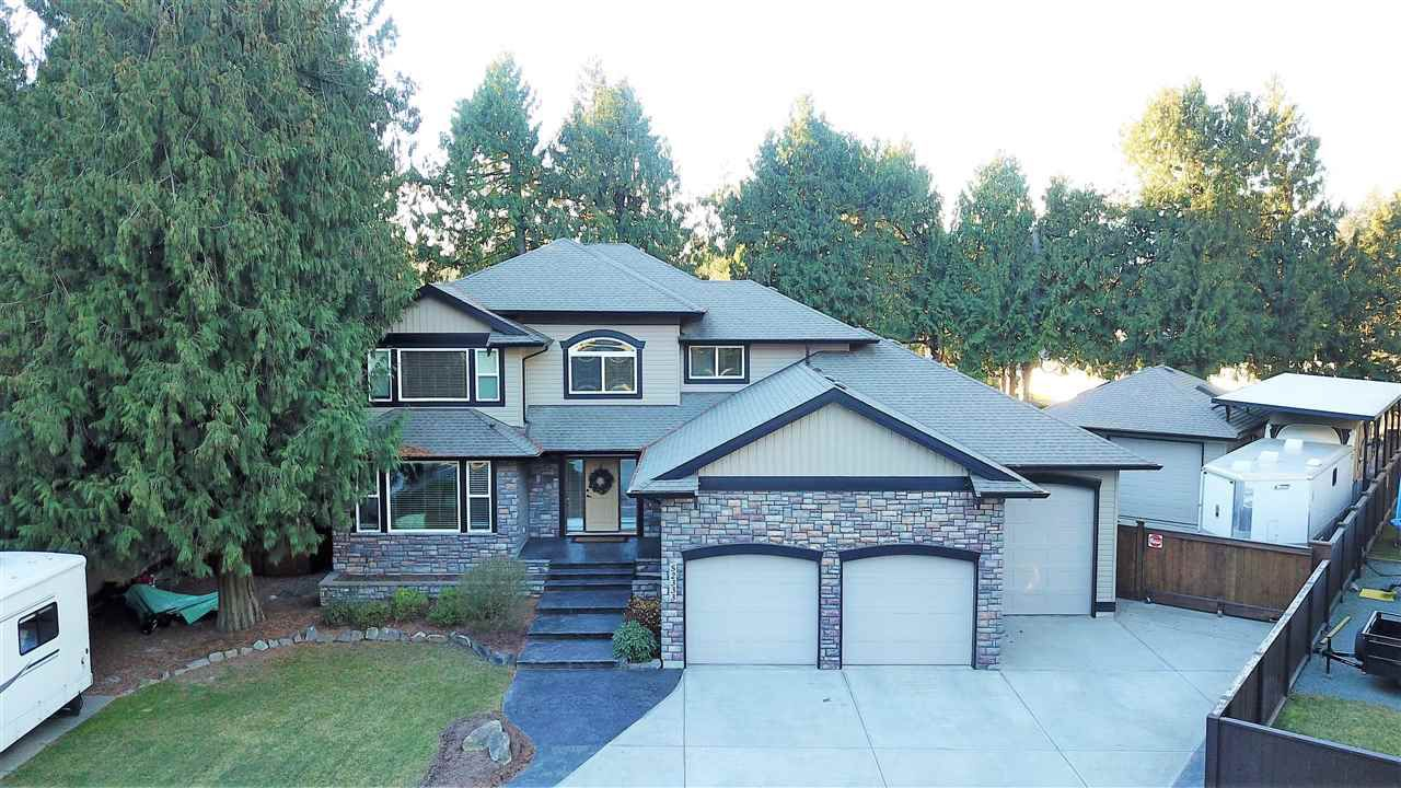 Main Photo: 52333 BERKSHIRE Crescent in Rosedale: Rosedale Popkum House for sale : MLS®# R2321139