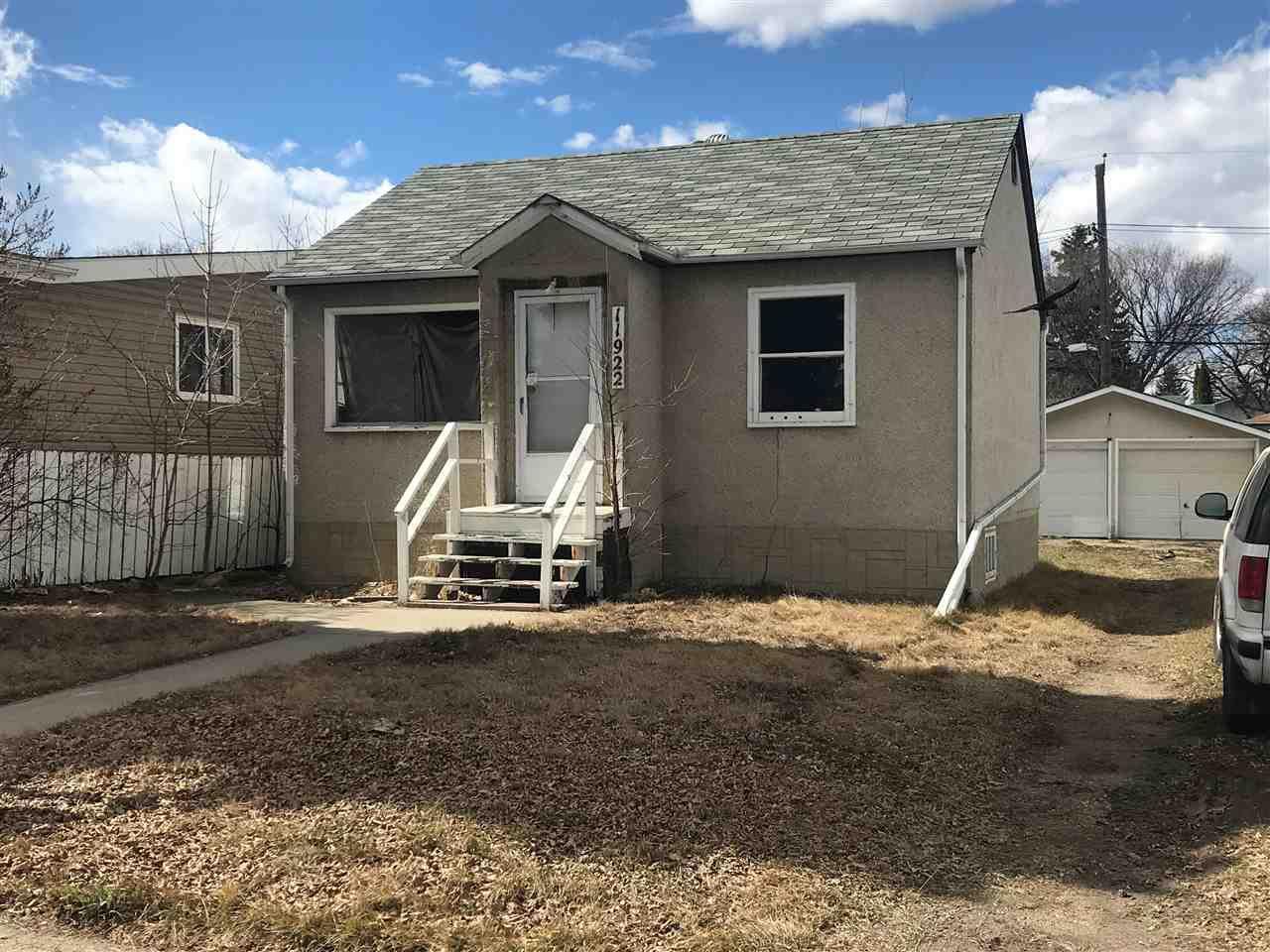 Main Photo: 11922 40 Street in Edmonton: Zone 23 House for sale : MLS®# E4146084