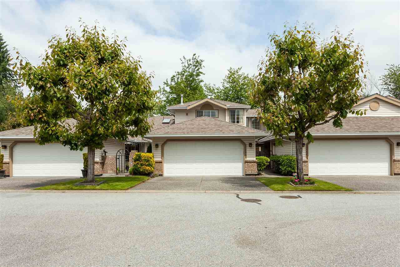"""Main Photo: 105 9781 148A Street in Surrey: Guildford Townhouse for sale in """"Chelsea Gate"""" (North Surrey)  : MLS®# R2375333"""