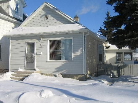 Photo 1: Photos: 785 Government Ave.: Residential for sale (East Kildonan)  : MLS®# 2702472