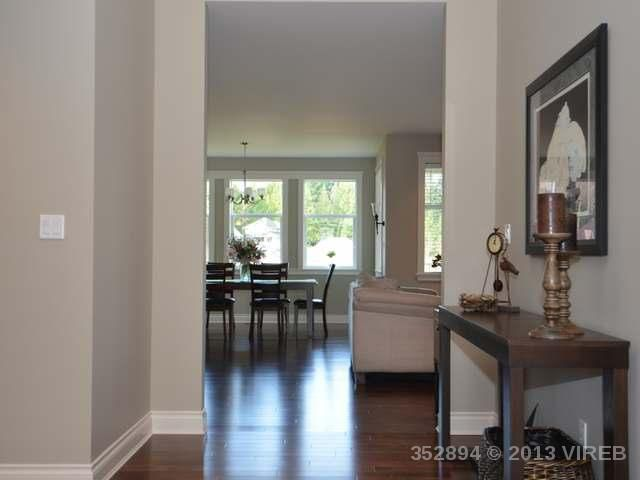 Photo 10: Photos: 2564 MCCLAREN ROAD in MILL BAY: House for sale : MLS®# 352894