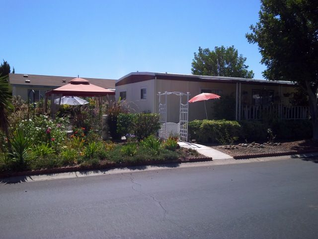 Main Photo: EAST ESCONDIDO Manufactured Home for sale : 2 bedrooms : 2700 E Valley Parkway #170 in Escondido