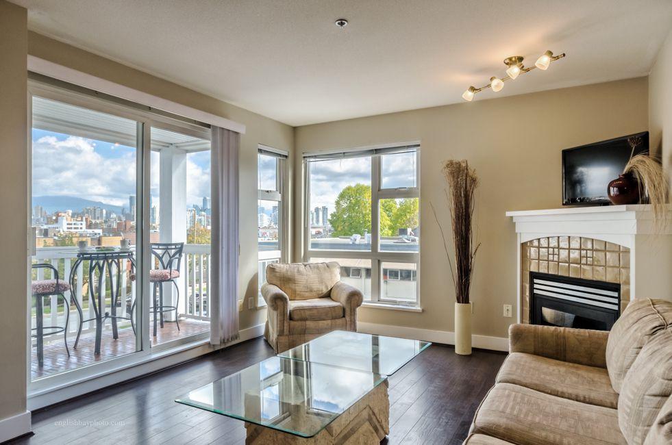 "Main Photo: 306 1858 W 5TH Avenue in Vancouver: Kitsilano Condo for sale in ""Greenwich"" (Vancouver West)  : MLS®# R2003275"