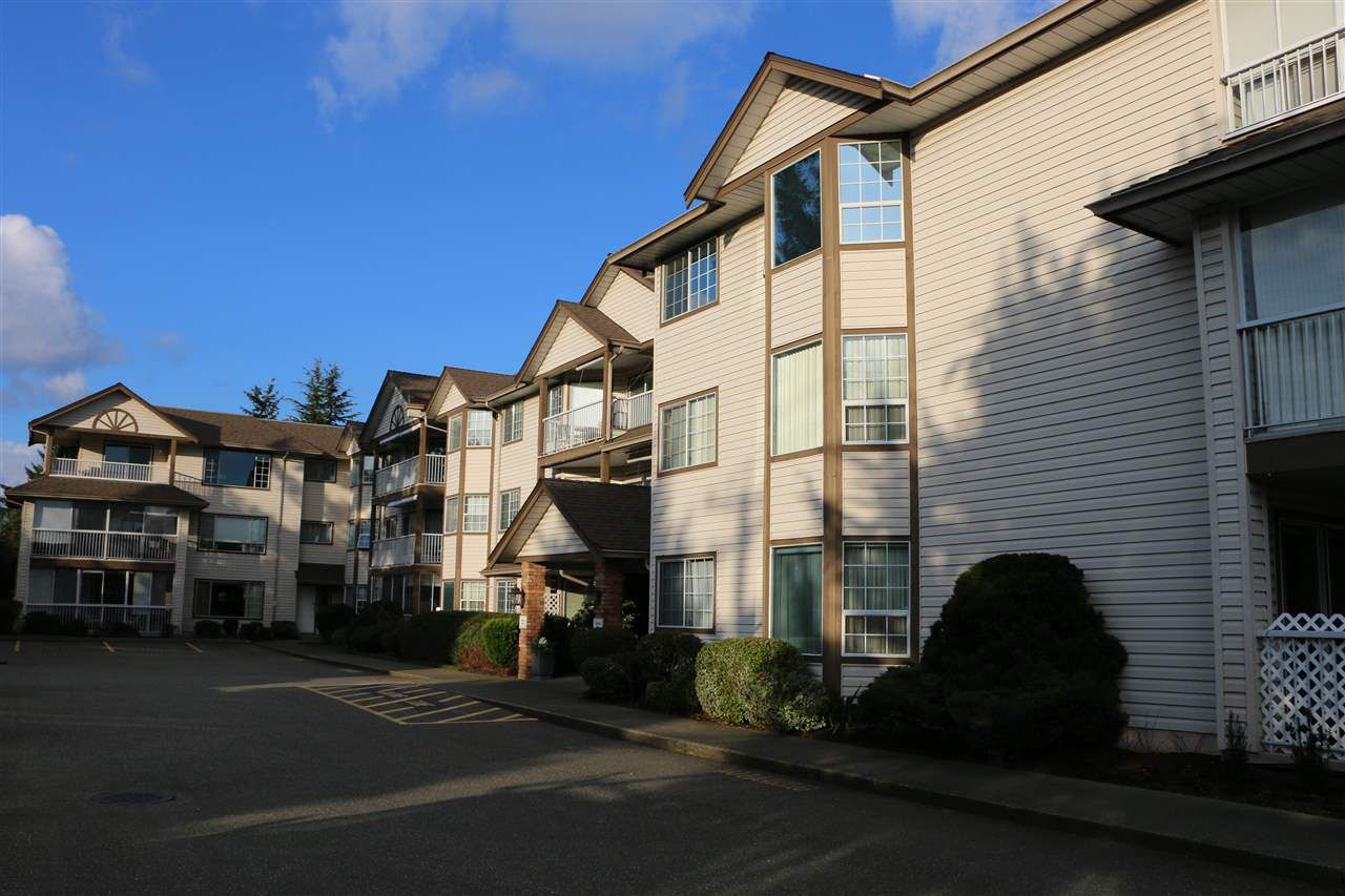 "Main Photo: 209 32145 OLD YALE Road in Abbotsford: Abbotsford West Condo for sale in ""Cypress Park"" : MLS®# R2034397"
