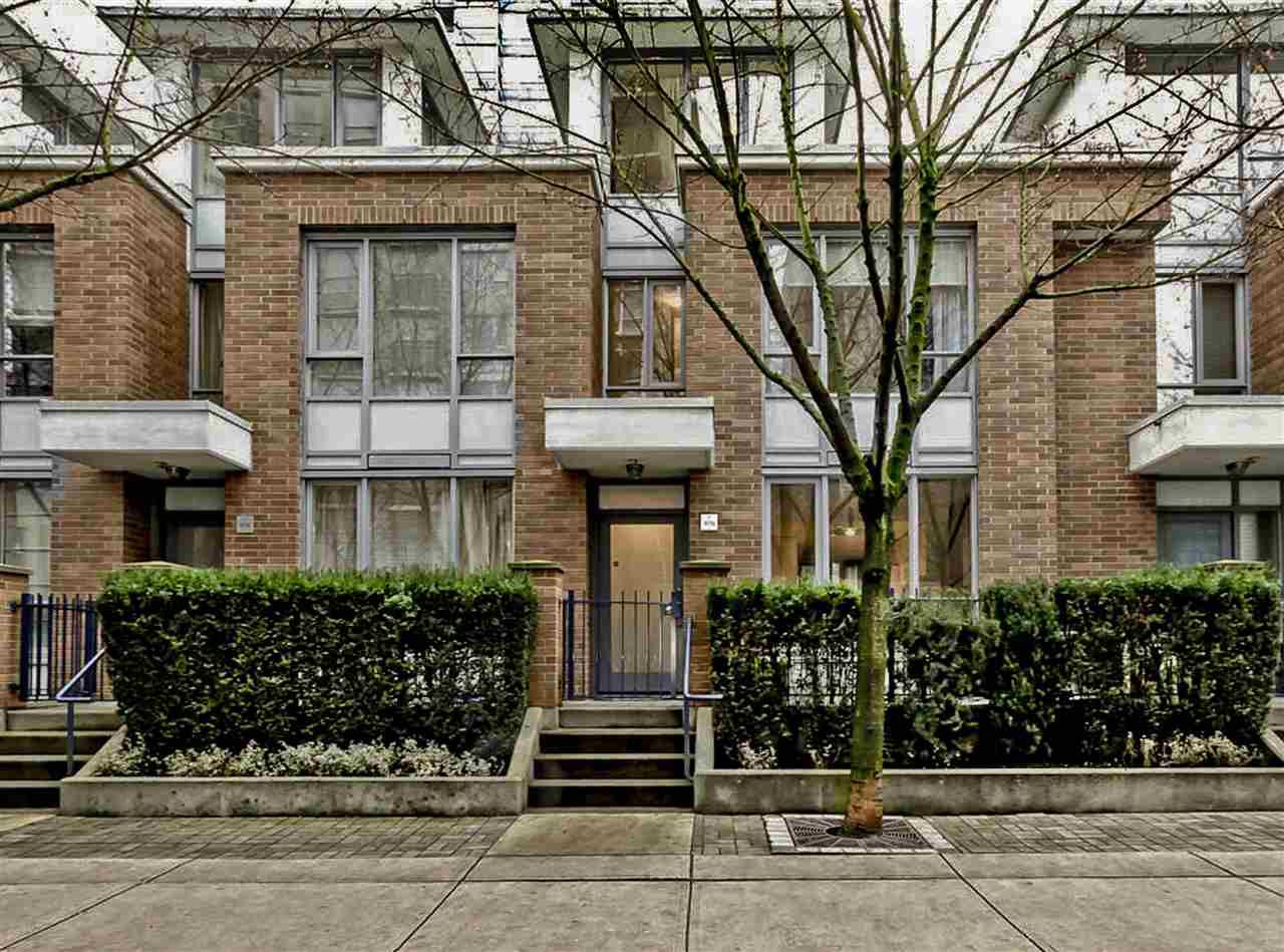 """Main Photo: 978 BEATTY Street in Vancouver: Yaletown Townhouse for sale in """"MAX"""" (Vancouver West)  : MLS®# R2035736"""
