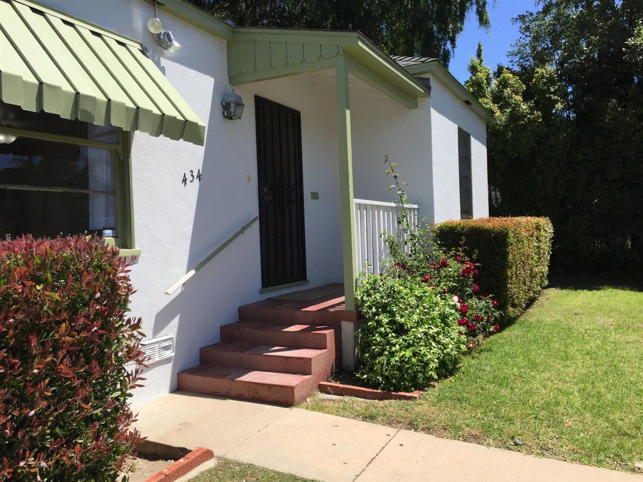 Main Photo: EAST ESCONDIDO House for sale : 3 bedrooms : 434 S Juniper in Escondido