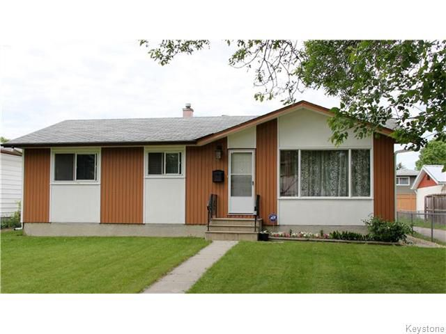 Main Photo: 1115 MONCTON Avenue in Winnipeg: Residential for sale : MLS®# 1615848