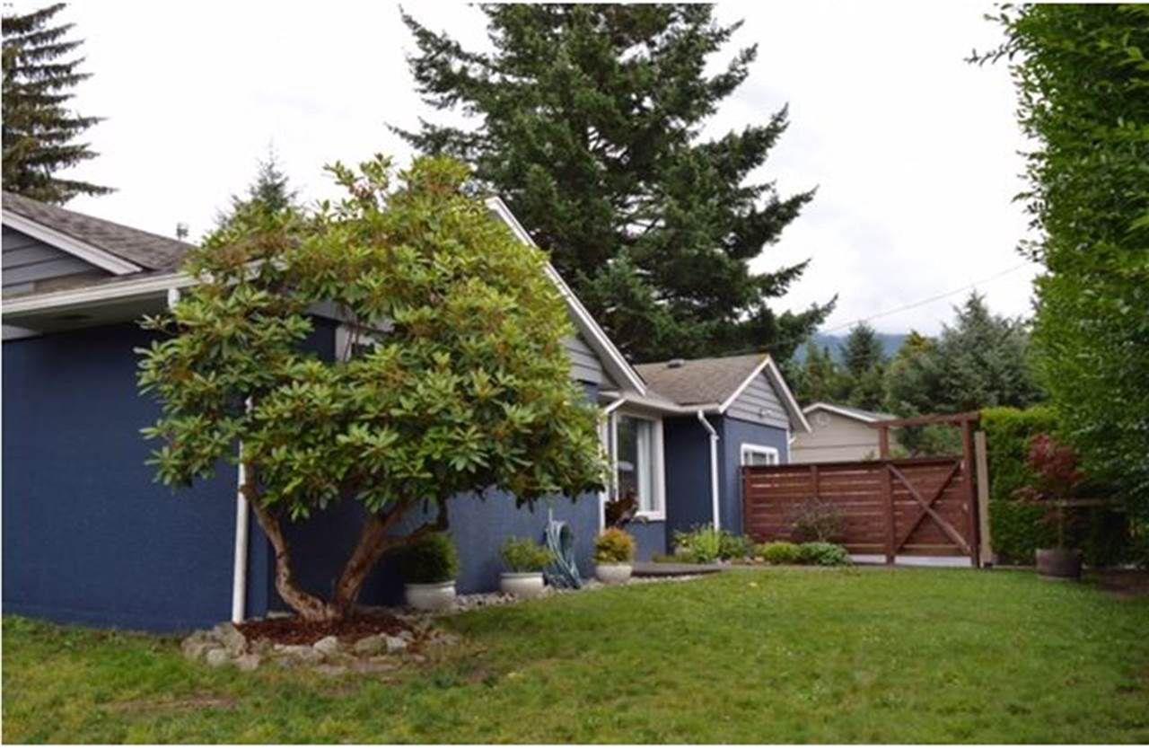 Main Photo: 40320 GARIBALDI Way in Squamish: Garibaldi Estates House for sale : MLS®# R2088100