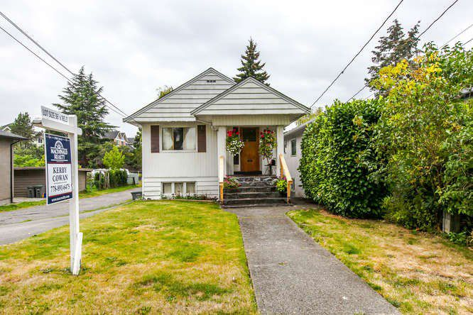 Main Photo: 4861 PRINCE EDWARD Street in Vancouver: Main House for sale (Vancouver East)  : MLS®# R2105436