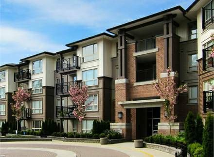 "Main Photo: 102 11667 HANEY Bypass in Maple Ridge: West Central Condo for sale in ""Haney's Landing"" : MLS®# R2127794"