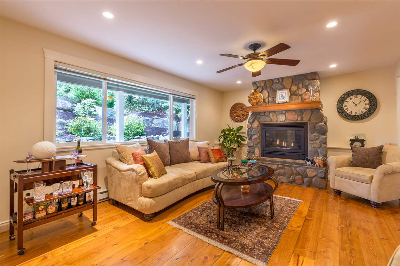 """Main Photo: 8085 SOUTHWOOD Road in Halfmoon Bay: Halfmn Bay Secret Cv Redroofs House for sale in """"WELCOME WOODS"""" (Sunshine Coast)  : MLS®# R2147479"""