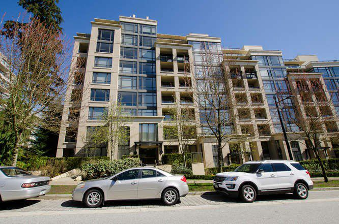 """Main Photo: 700 9300 UNIVERSITY Crescent in Burnaby: Simon Fraser Univer. Condo for sale in """"ONE UNIVERSITY"""" (Burnaby North)  : MLS®# R2160978"""