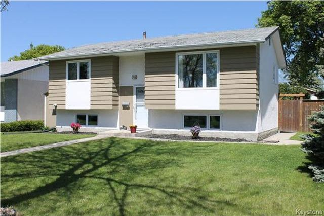 Main Photo: 11 Gretna Bay in Winnipeg: Meadowood Residential for sale (2E)  : MLS®# 1712947