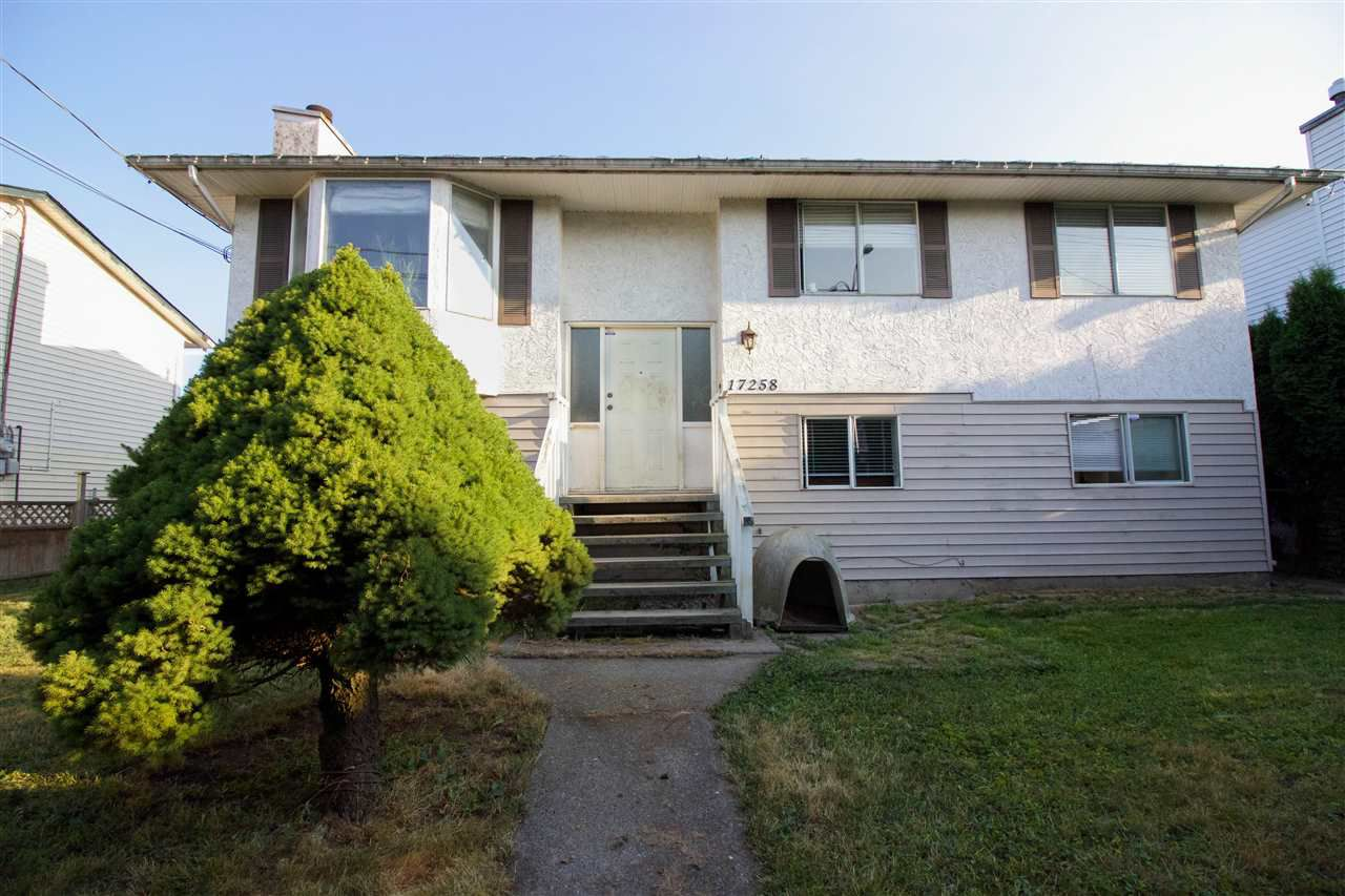 Main Photo: 17258 64 Avenue in Surrey: Cloverdale BC House for sale (Cloverdale)  : MLS®# R2193686