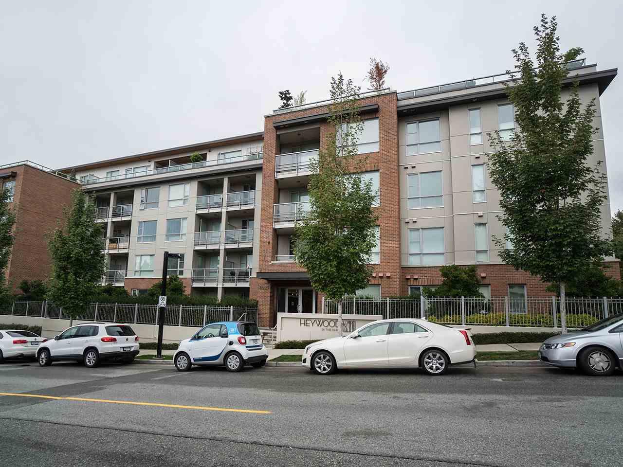 "Main Photo: 313 1621 HAMILTON Avenue in North Vancouver: Hamilton Condo for sale in ""Heywood on the Park"" : MLS®# R2209661"