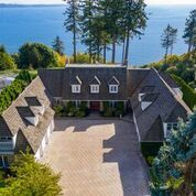 "Main Photo: 13836 MARINE Drive: White Rock House for sale in ""Marine Drive West"" (South Surrey White Rock)  : MLS®# R2355355"