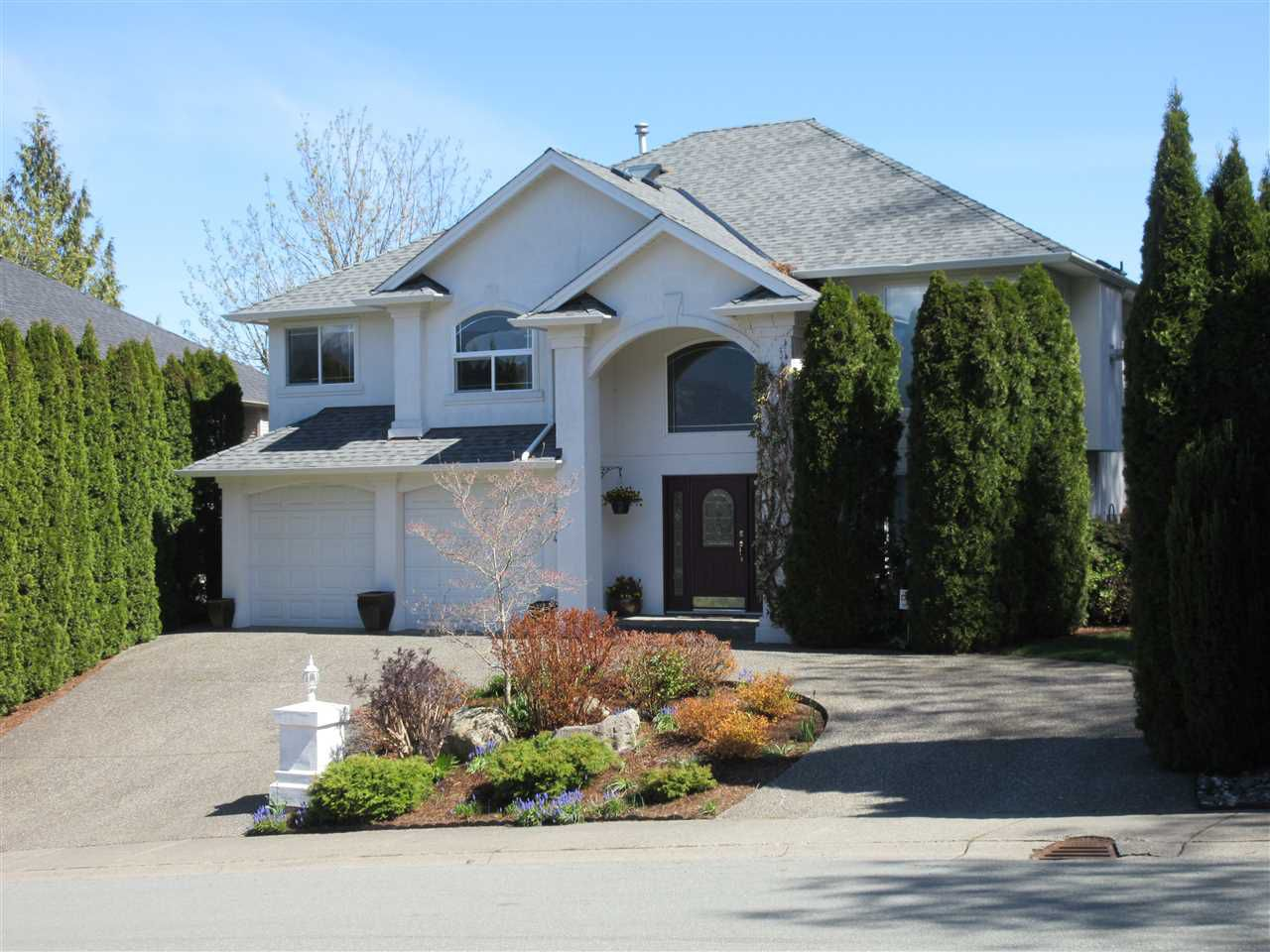 Main Photo: 47444 CHARTWELL Drive in Chilliwack: Little Mountain House for sale : MLS®# R2359775