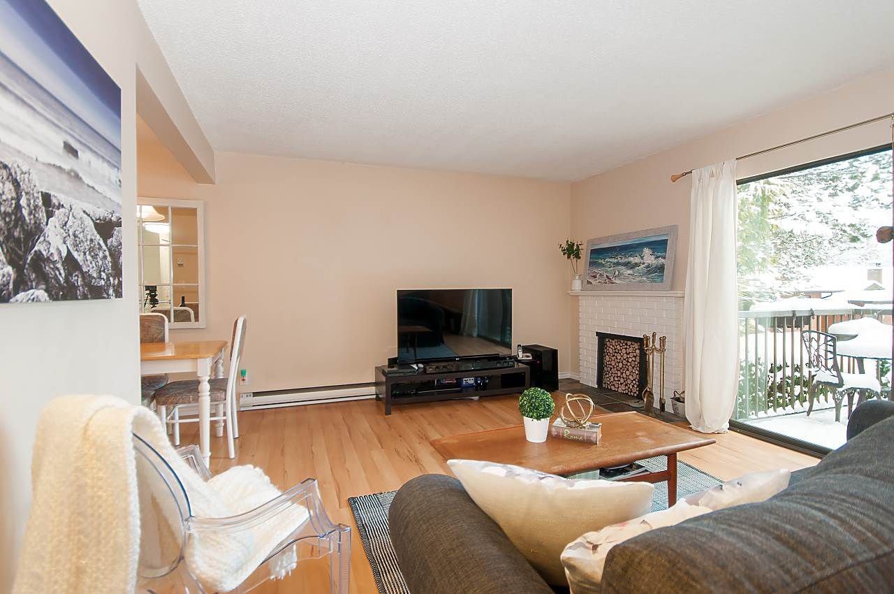 """Main Photo: 808 10620 150 Street in Surrey: Guildford Townhouse for sale in """"Lincoln's Gate"""" (North Surrey)  : MLS®# R2362962"""