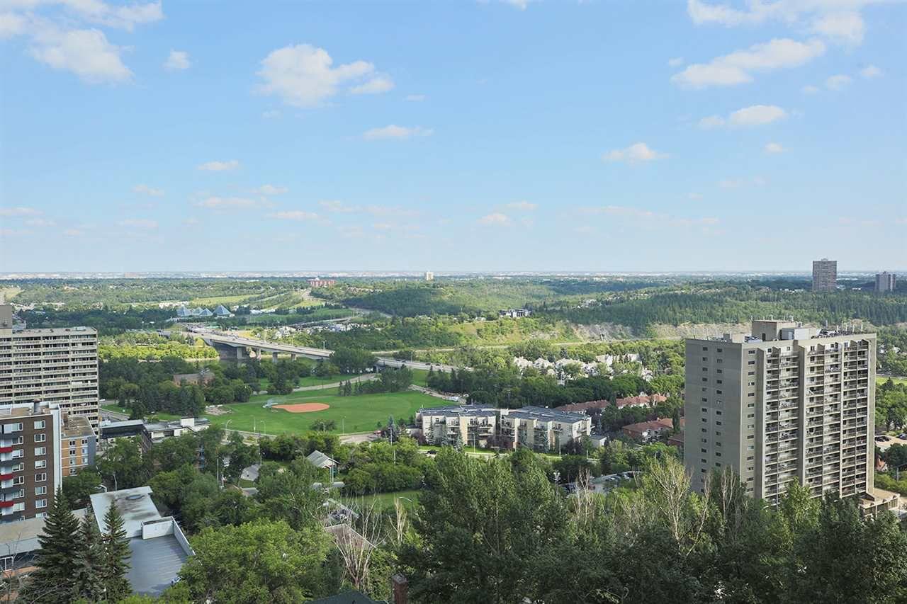 Main Photo: 1501 9921 104 Street in Edmonton: Zone 12 Condo for sale : MLS®# E4154245