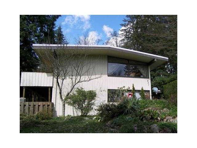 """Main Photo: 631 PLYMOUTH Drive in North Vancouver: Windsor Park NV House for sale in """"WINDSOR PARK"""" : MLS®# V1059152"""