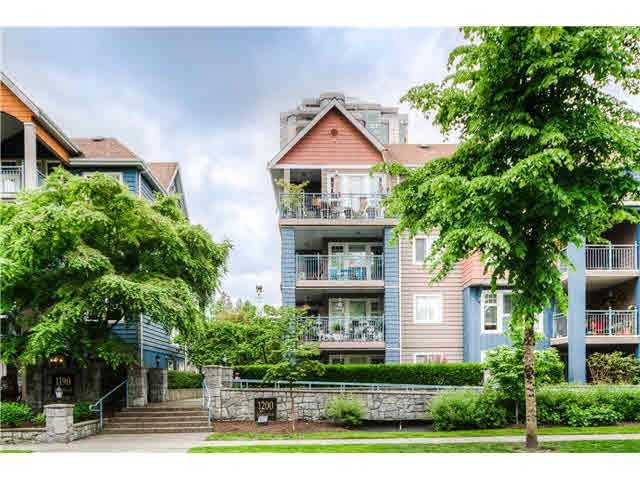 """Main Photo: 404 1200 EASTWOOD Street in Coquitlam: North Coquitlam Condo for sale in """"LAKESIDE TERRACE"""" : MLS®# V1123537"""