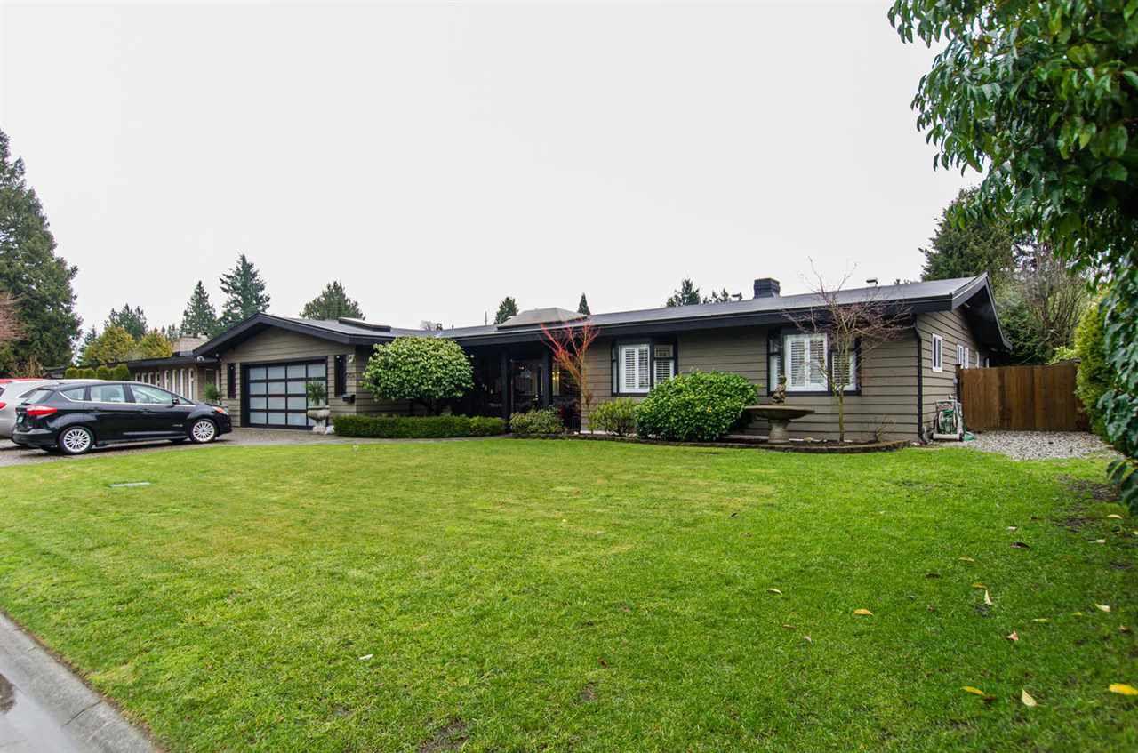 "Main Photo: 5024 ERIN Way in Delta: Pebble Hill House for sale in ""PEBBLE HILL"" (Tsawwassen)  : MLS®# R2023865"