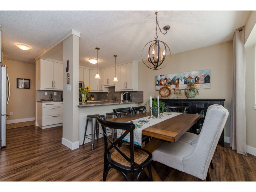 """Main Photo: 302 32089 OLD YALE Road in Abbotsford: Abbotsford West Condo for sale in """"HEATHER RIDGE"""" : MLS®# R2113842"""