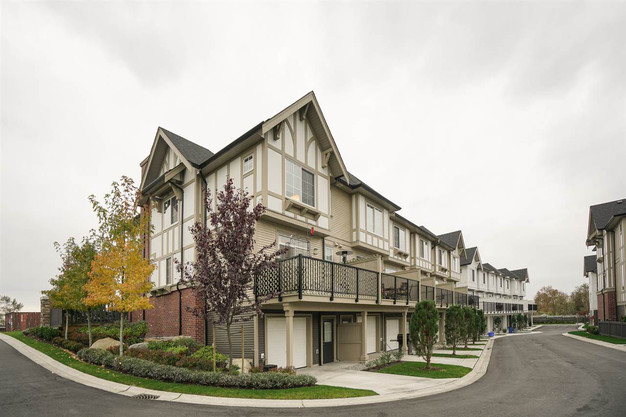 """Main Photo: 6 30989 WESTRIDGE Place in Abbotsford: Abbotsford West Townhouse for sale in """"Brighton"""" : MLS®# R2119625"""