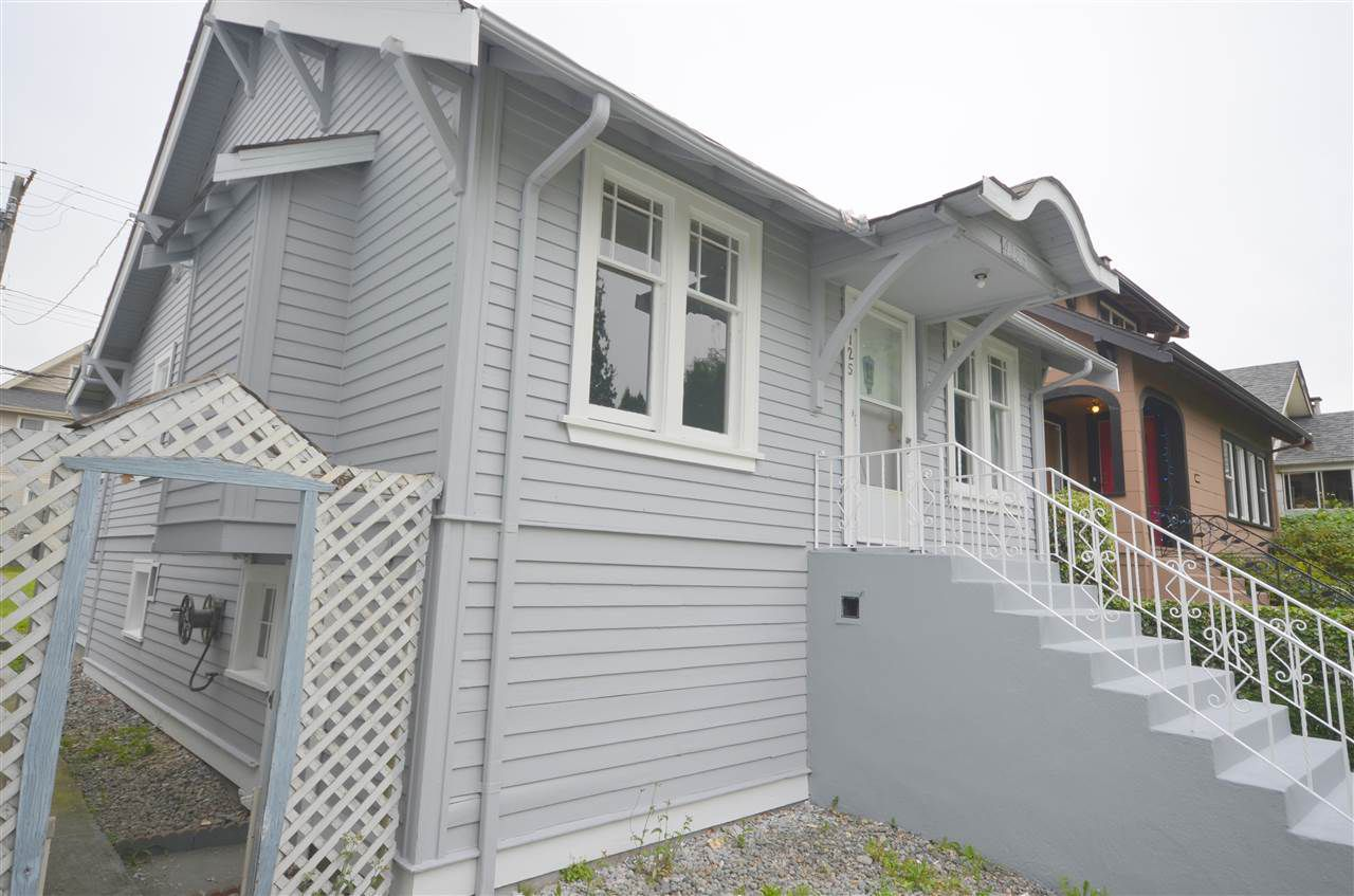 Main Photo: 4125 PENDER Street in Burnaby: Willingdon Heights House for sale (Burnaby North)  : MLS®# R2126528