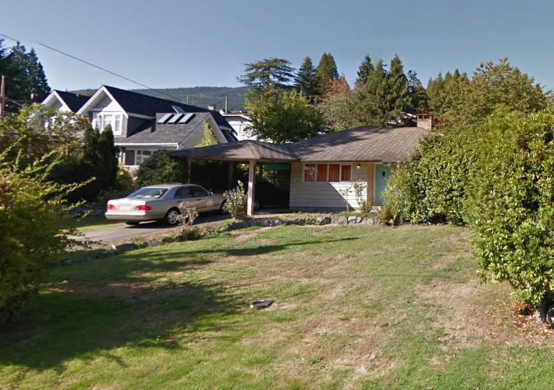 Main Photo: 1385 KINGS Avenue in West Vancouver: Ambleside House for sale : MLS®# R2130328